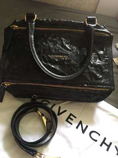 Givenchy  M Size