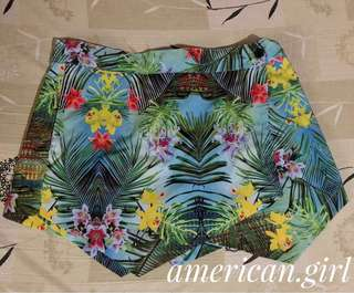 Mint Triangular shorts