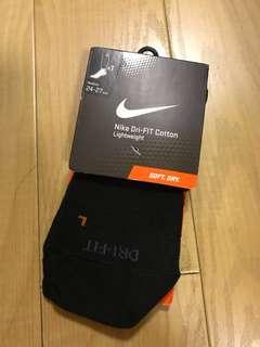 New Nike Dri Fit black ankle cotton socks Sz M fits 24-27cm
