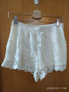 White Lace Shorts H&M