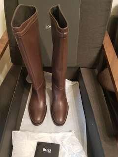 🚚 Boss 咖啡色長靴