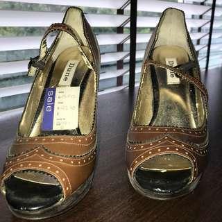 High heels brown leather