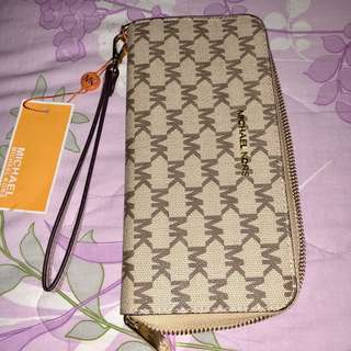 Authentic Pre loved Mk wallet