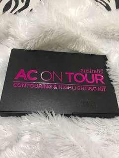 Australis - AC ON TOUR - POWDER Contouring & Highlighting Kit