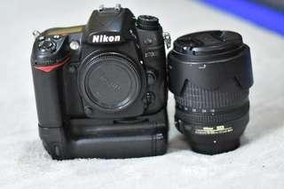 Nikon D7000 with 18-105 mm len