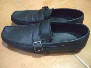 Massimo dutti leather size 42