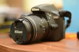 Nikon D3400 + 50mm f1.8g with three batteries included