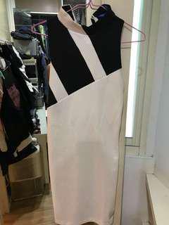 🚚 Adidas 連身挖肩裙