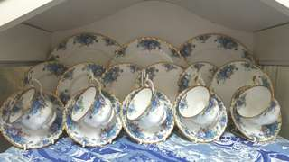 ROYAL ALBERT CUP & SAUCER SET