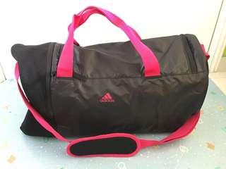 全新Adidas旅行袋