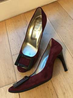 Roger Vivier shoes (very new) wear less than 20 times (size 37.5