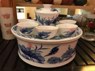 手繪荷花繁體中文茶盆