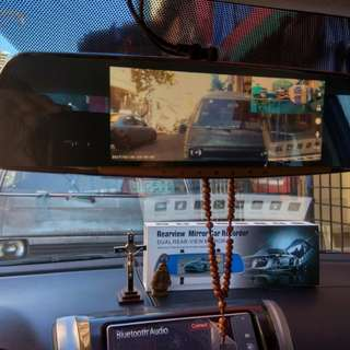 Qcy 7inch Dashcam with rear view camera
