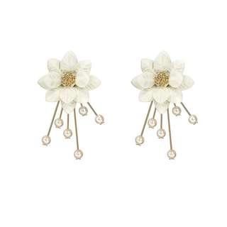 韓國立體花瓣百搭氣質耳環