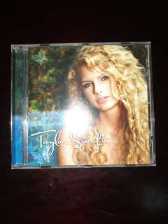 TAYLOR SWIFT 1ST ALBUM