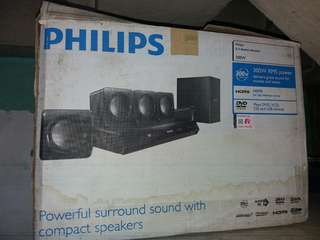 Philips Soundbar and DVD player with speaker