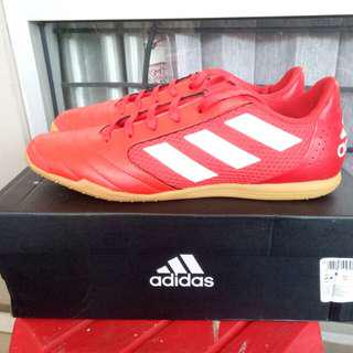 sepatu futsal adidas original size 42