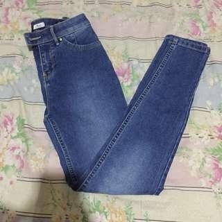 Freego Highwaisted Pants
