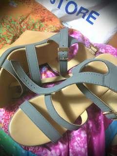 PARISIAN sandals Brand-new size 35