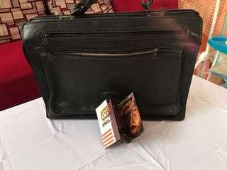 Tas kantor kulit asli good condition