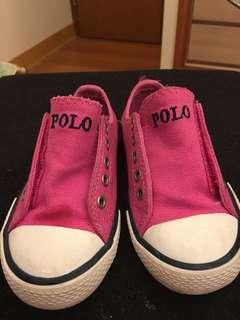 🚚 #ralphlauren #童鞋 #女童鞋 #休閒鞋 #正品  量起來是16公分,但是穿的寶貝要是15公分哦! 正品購入,我們家寶貝穿不下了! 外盒我丟掉了! 桃紅色小馬超可愛,夏天好亮眼! 魔鬼氈好穿脫