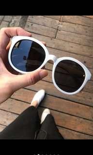 🚚 AP眼鏡時尚批發大圓黑白朝仙款太陽眼鏡
