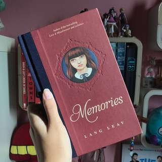 Memories by Lang Leav [hardcover]