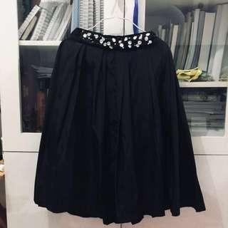 Minimal Black Skirt