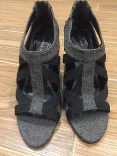 Black and Grey 3inch strappies