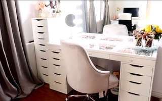 Vanity mirror, table,stool and drawers
