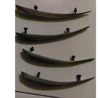 jengger spakbor depan untuk vespa super dan sprint (imi)