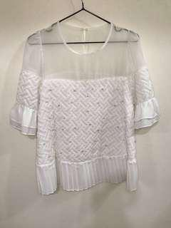 正韓—透膚雪紡拼接菱格蕾絲珍珠上衣洋