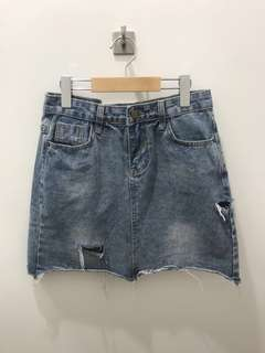 全新牛仔短裙 fray washed denim skirt