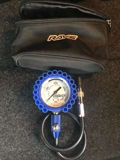 RAYS TIRE PRESSURE AIR GAUGE (75PSI) W/ CARRYING CASE
