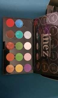 preloved inez eyeshadow palette