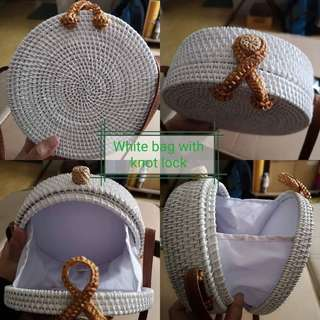 On hand 20cm white rattan bag