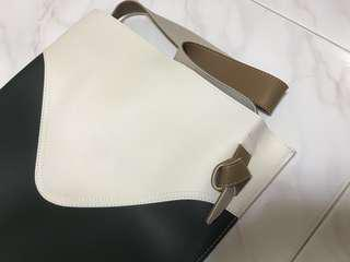 White green shoulder bag