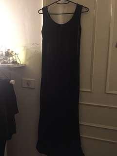 🚚 黑色長裙