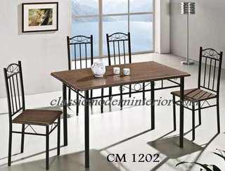 Brand new Dining set 4-seater Cm 1202