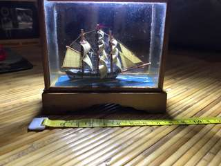 10cm Boat in a glass box (vintage)
