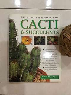 Cacti and succulents, 256 pages