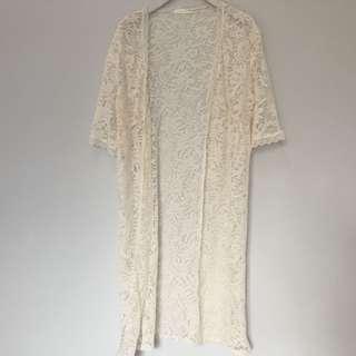 🚚 GU長版蕾絲罩衫。M號。米色。海灘。春夏。五分袖。