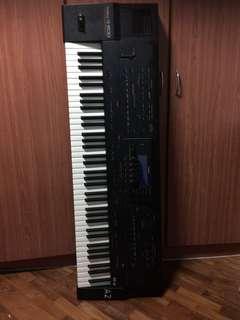 Roland G-800 76 keys keyboard