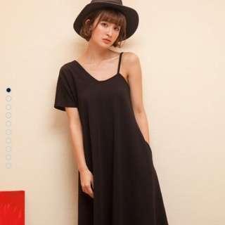 Marjorie 夢的總和-斜切裙襬單肩極簡洋裝(F)