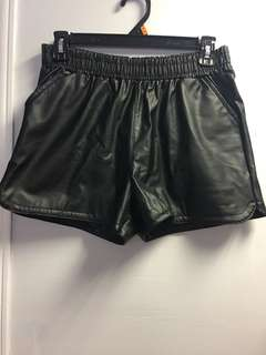 ⚫️XL Faux Leather Shorts