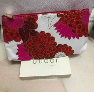 Kenzo parfums pouch