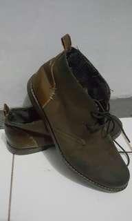 Sepatu booth size 43 kulit bagus