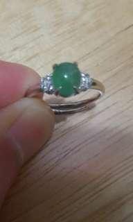 天然翡翠戒指 配 925扣,活圈,送禮佳品,$480。