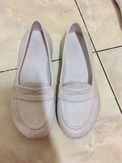 White plastic shoes Duralite
