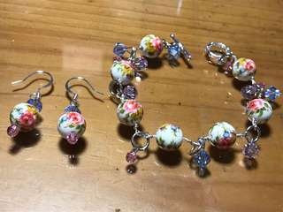Vintage Rose beaded bracelet & earrings (with swarovski crystals)